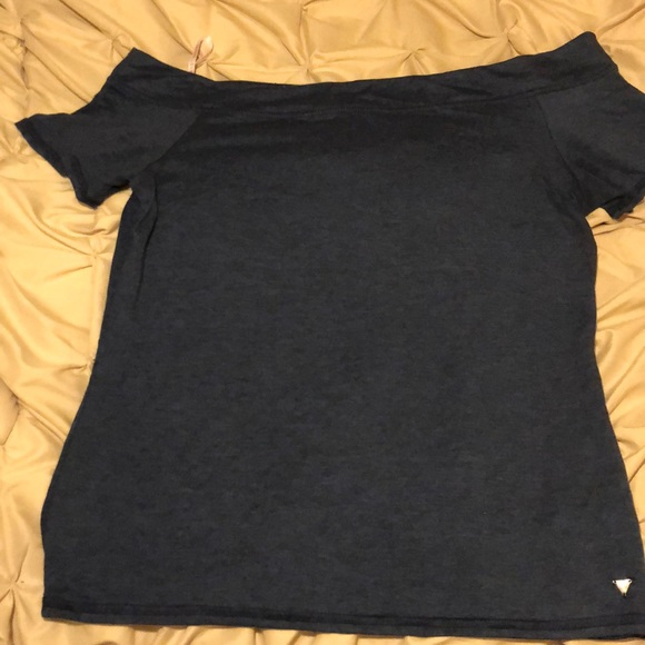 Guess Tops - Off the shoulder tee shirt
